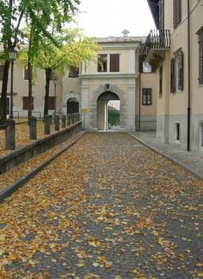 Ingresso a Palazzo Lantieri