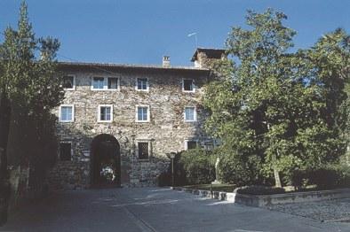 Il palazzo con la Porta Nuova di città.