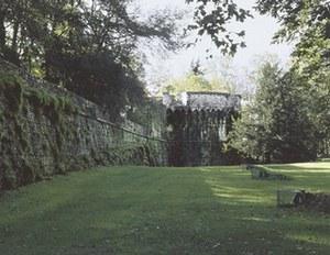Veduta della fortezza dal parco antistante.