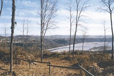 Veduta dalla cima del colle del castello.