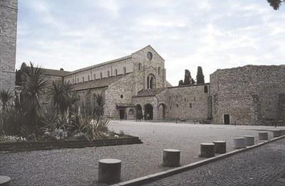 Vista d'insieme della Basilica aquileiese con l'attacco del battistero.