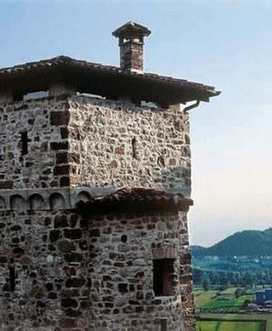 Il Castello in un restauro dopo il sisma del '76