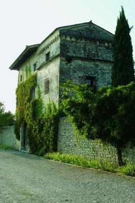 Particolare della torre del complesso fortificato