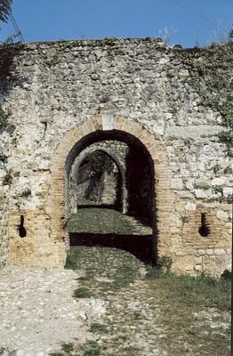 """Antica porta """"di borgo"""" detta anche """"di Sinagoga"""""""