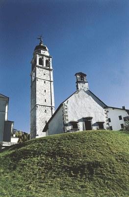 Forni di Sopra, chiesa di San Floriano (sec. XV), monumento nazionale.