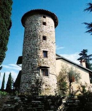 La torre circolare del castello di Gramogliano.