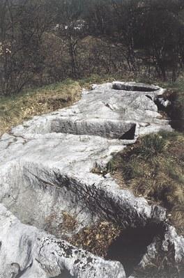 Tombe altomedioevali(site oltre Lauco, verso Buttea).