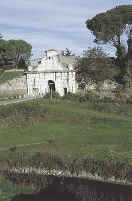 Palmanova, porta Aquileia attribuita a V. Scamozzi (1552-1616).