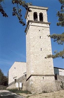 La torre campanaria restaurata a fine anni '90