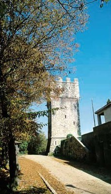 Una torre.