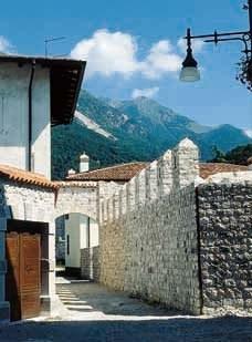 Un vicolo interno della cittadella.