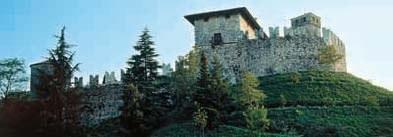 Vista del Castello col palazzo cinquecentesco.