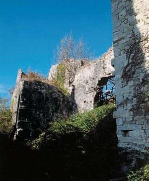 I resti del castello di Zucco.